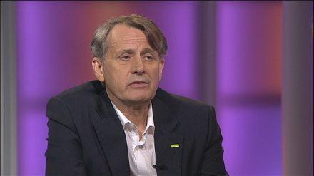 Anders Sundström, ordförande Swedbank, socialdemokrat. Mannen som varit bankchef, näringsminister, VD och ordförande i Folksam.