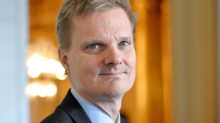 Jens Henriksson, VD Folksam, socialdemokrat. Mannen som jobbat på finansdepartementet, på IMF och varit chef på Stockholmsbörsen.